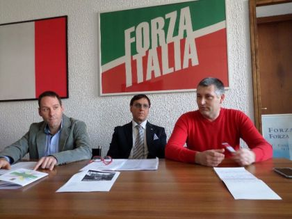 FORZA ITALIA BERLUSCONI E CLUB FORZA SILVIO INSISTONO: DIBATTITO PUBBLICO NONOSTANTE LA DIFFIDA