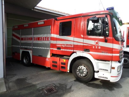 OFFICINA IN FIAMME A SAN BERNARDINO VERBANO