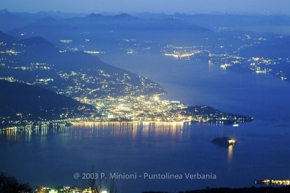 Verbania_panorama_notturno