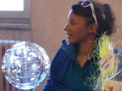 La Greggio con la Coppa del Mondo di cristallo.