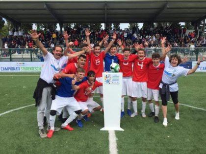 LA SQUADRA DEL LICEO CAVALIERI CAMPIONE D'ITALIA NEL CALCIO A 5!