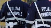 CONTROLLI DELLA POLIZIA LOCALE NELLE AREE MERCATALI. SEQUESTRI E SANZIONI PER OLTRE 7.000 EURO